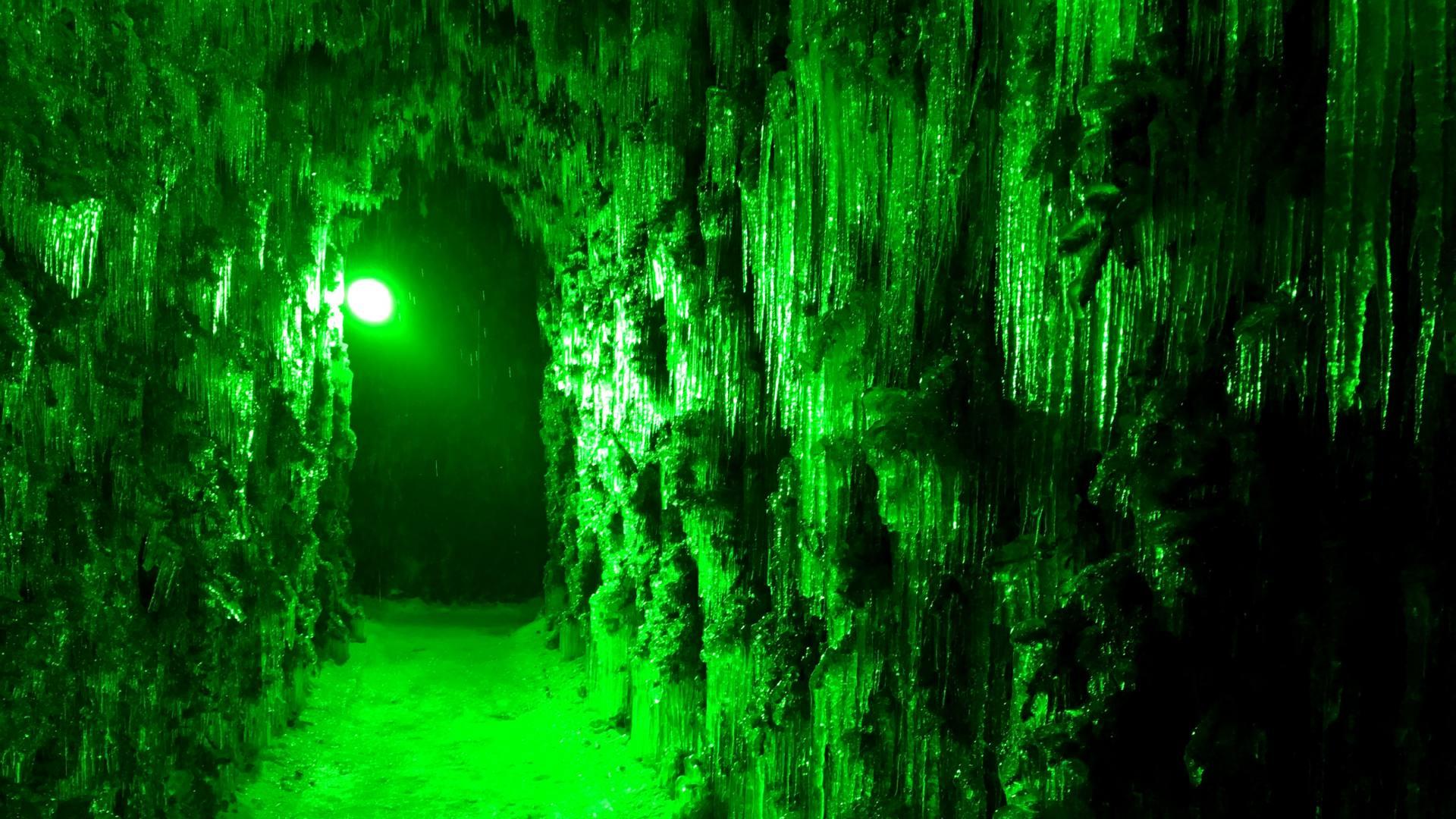 苔之洞門冰雕