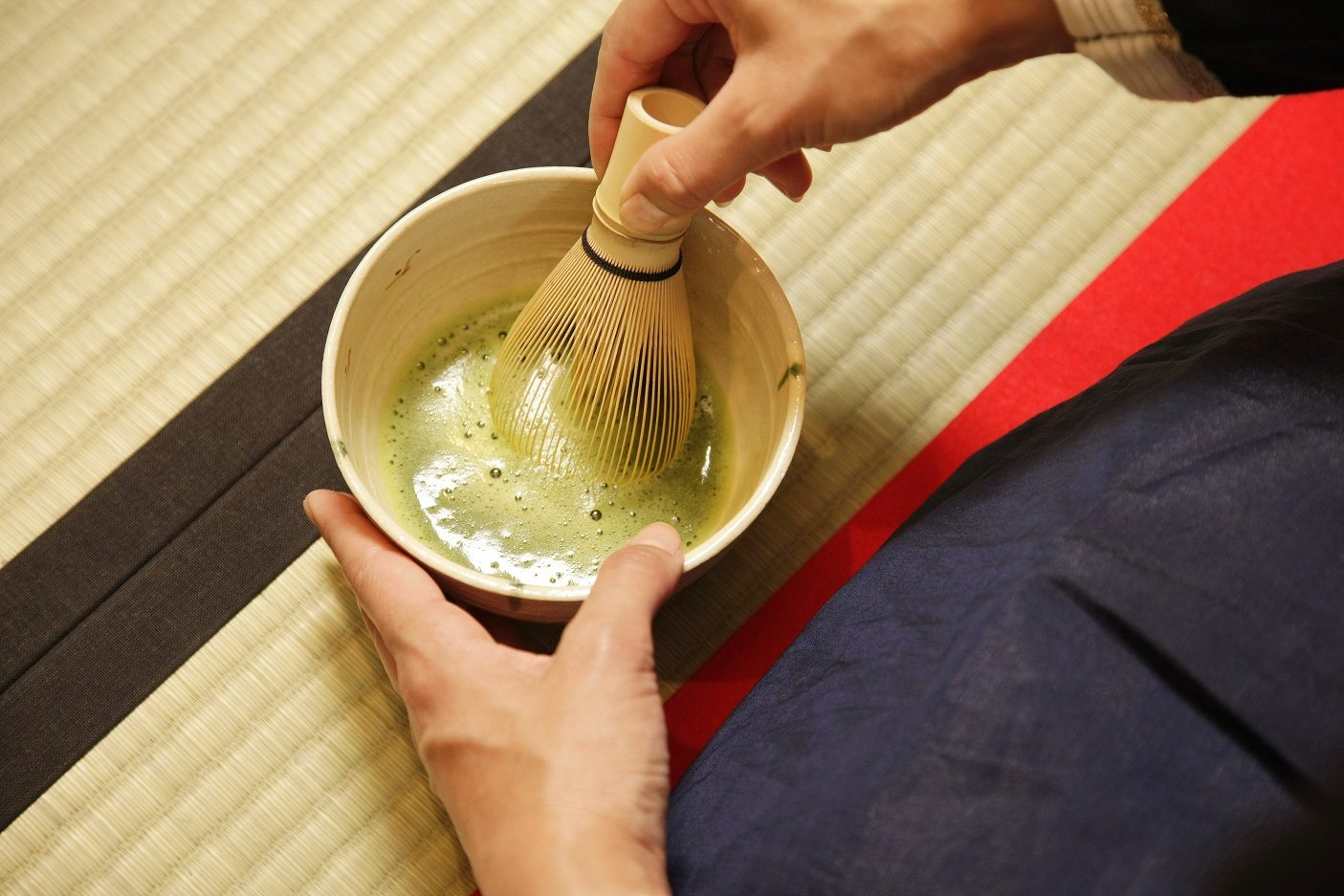 When you whip up the matcha yourself, the deep aroma of the tea will entice you to savor its exceptional flavor!