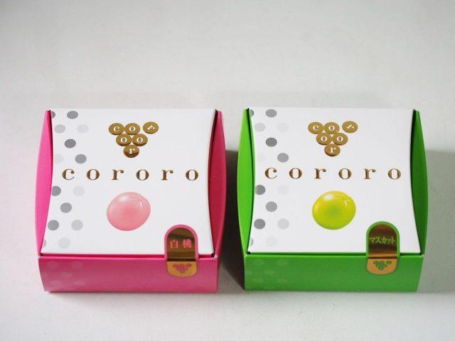 白桃(左)、麝香葡萄(右)