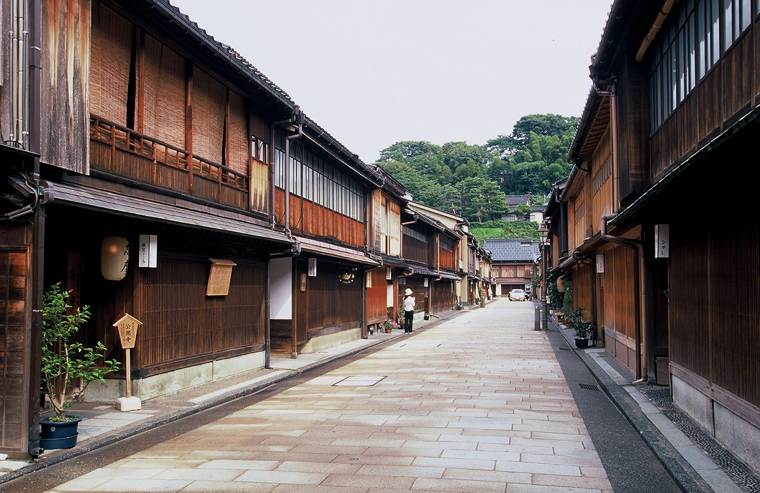 Higashi Chaya District, a beautiful street scene where you can feel Japanese history and culture