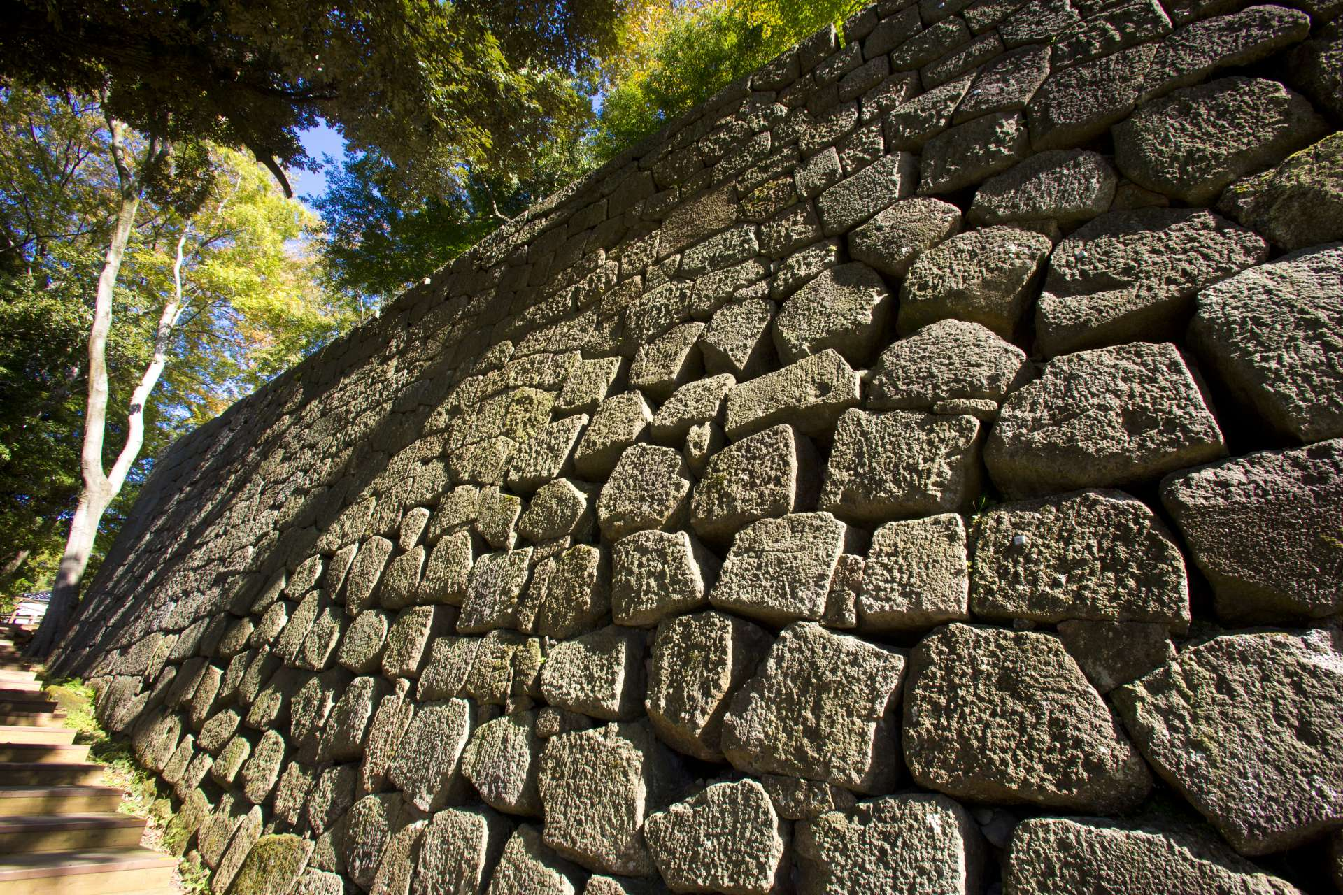 One feature of Kanazawa Castle is its variety of stone walls