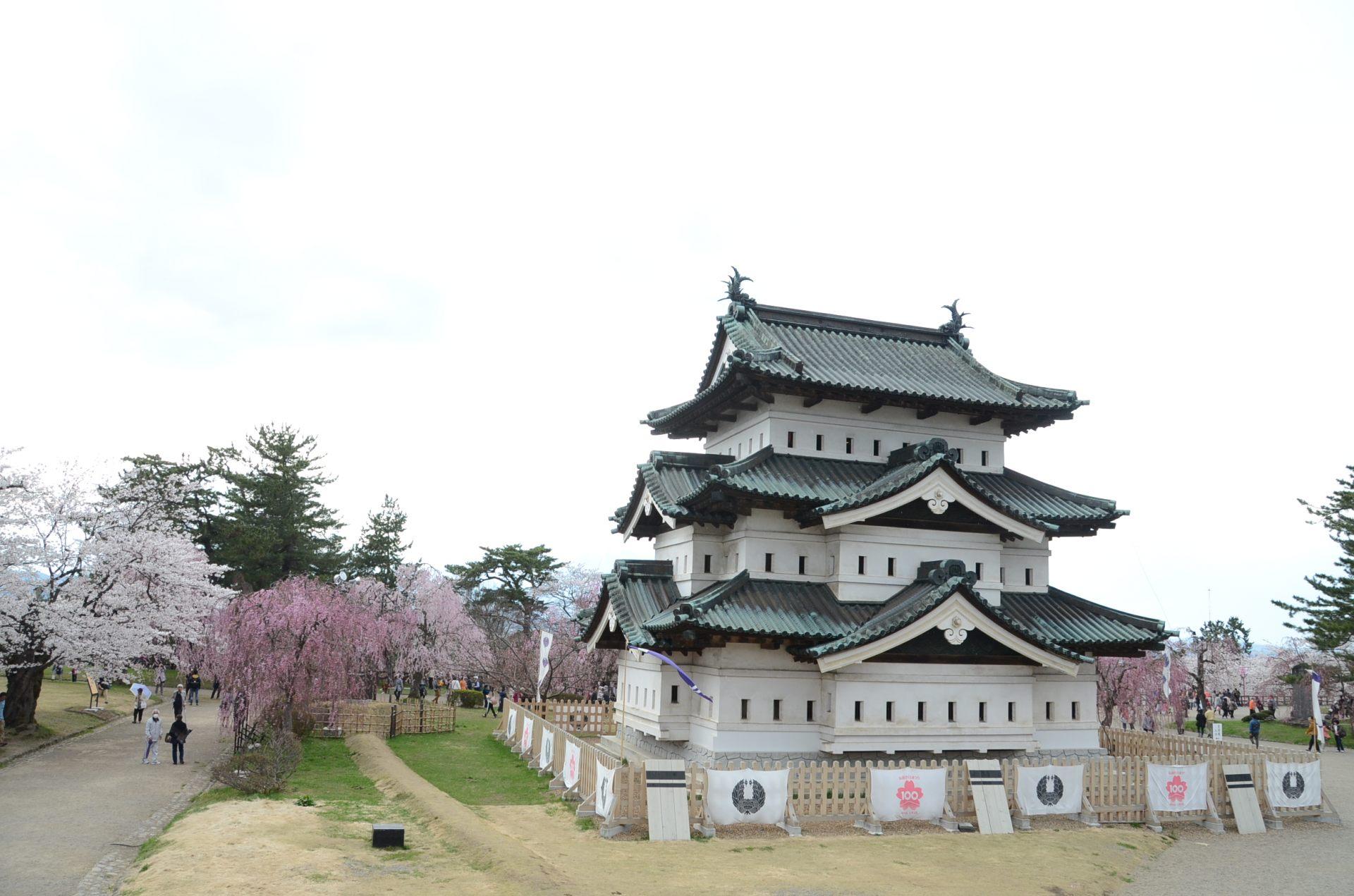 留有當時江戶時代再建風貌的弘前城