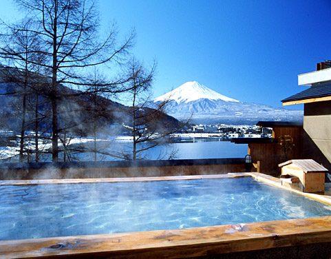 在上等的溫泉中,心裡也會變得暖和
