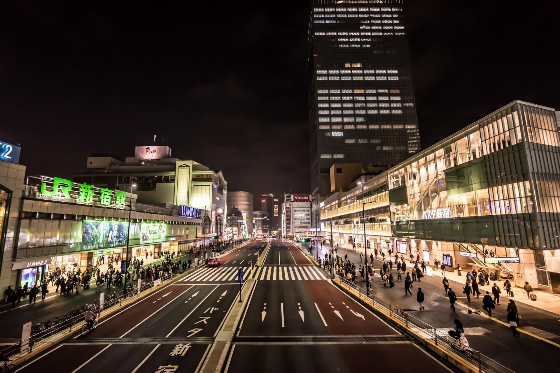 夜色中的新宿
