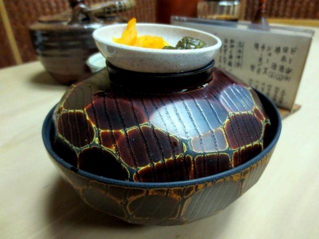 加藥五味飯(中碗)450日圓 附醃漬菜