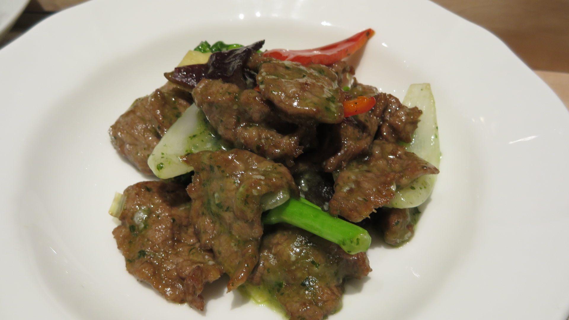 羅勒炒牛肉與五色蔬菜