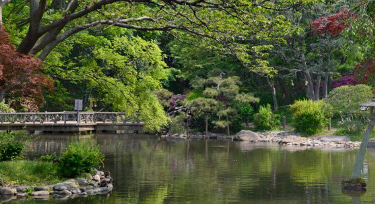 能欣賞四季景觀的日本庭園