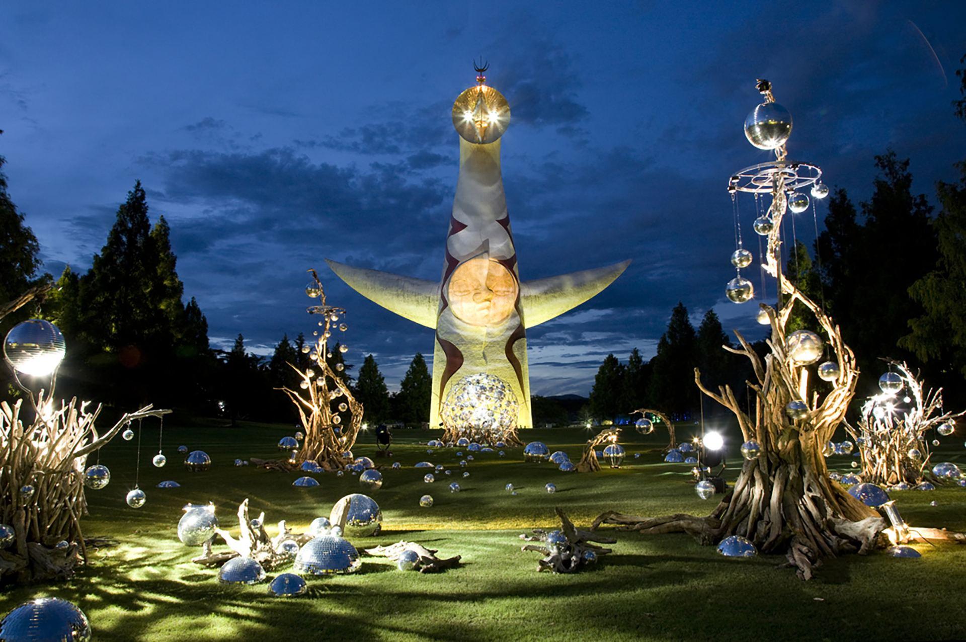 「太陽廣場」的鏡球藝術