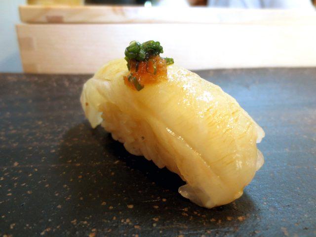 在大阪「松壽司」享受小小奢侈的午餐時光
