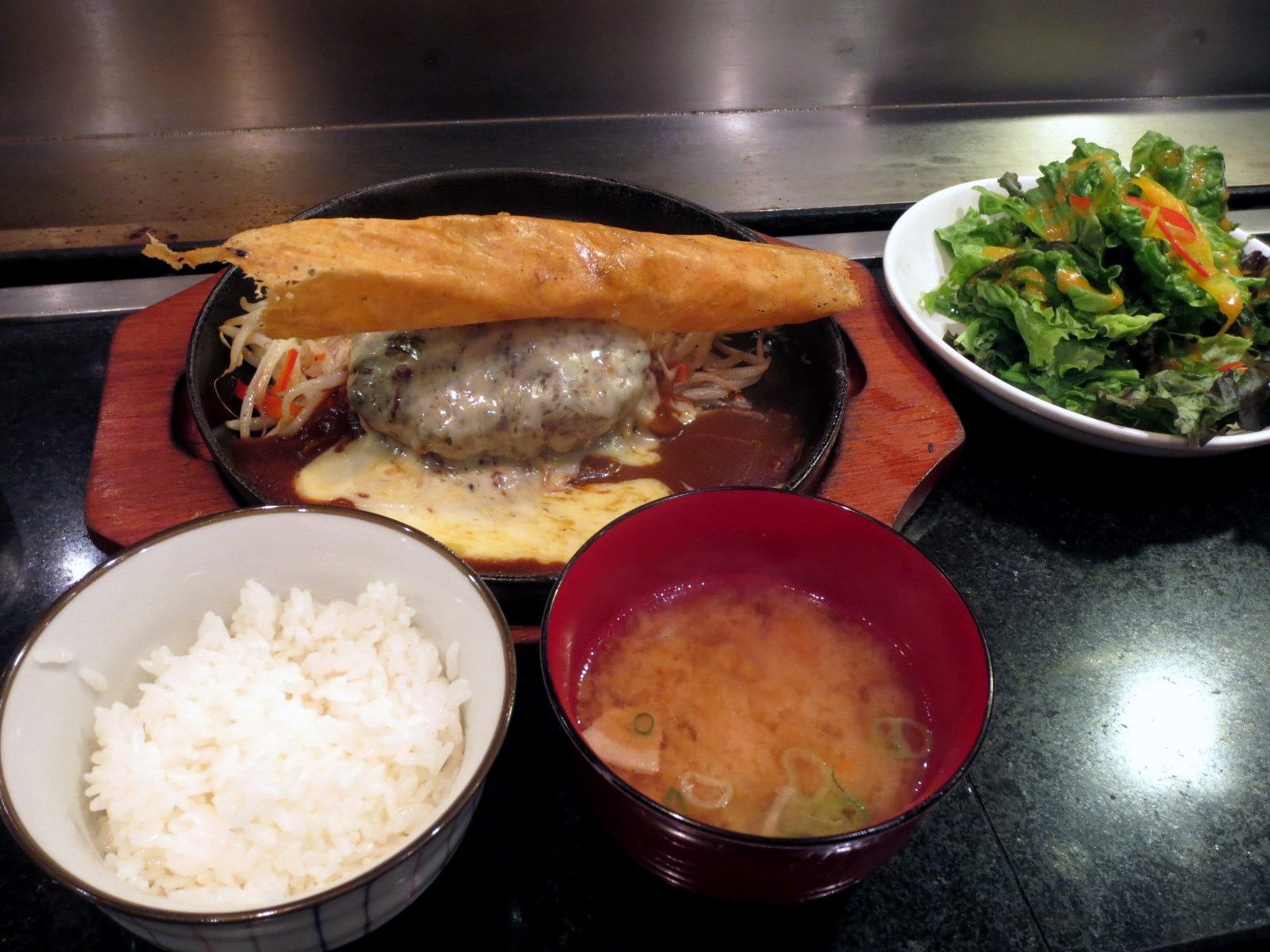 Agu Pork Hamburger Steak, Ground In-Store (150g) – 1,000 yen