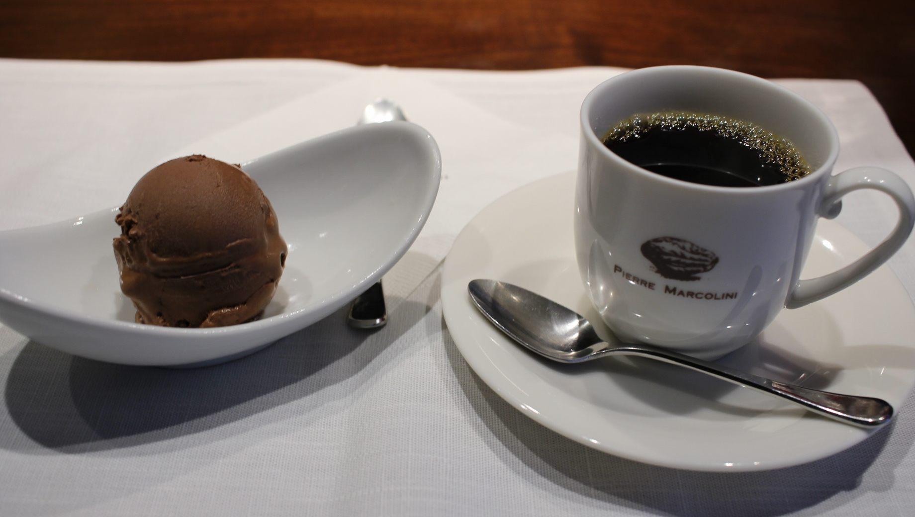 巧克力冰淇淋、咖啡