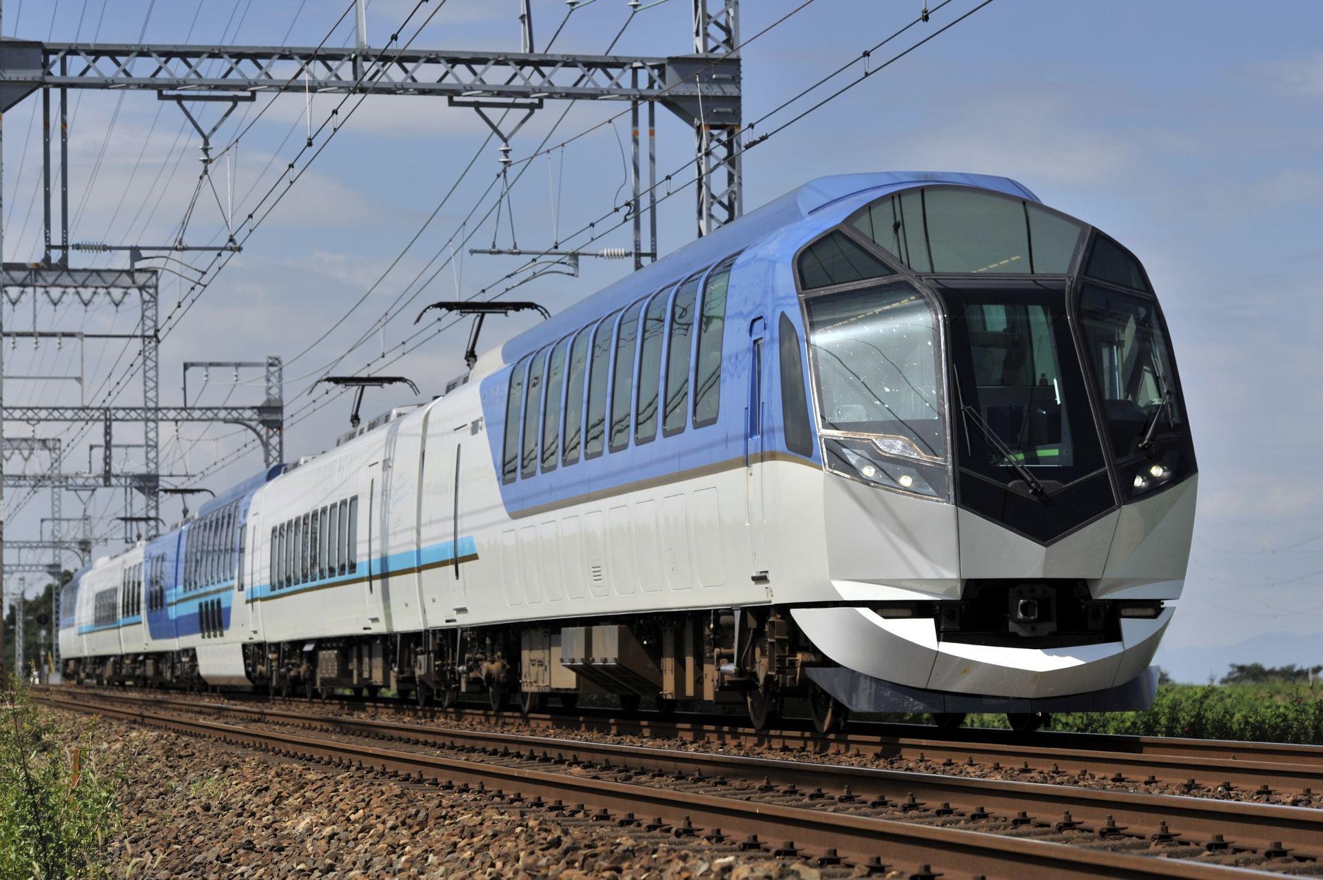 """SHIMAKAZE,"" a premium express tourism train that makes travelling fun"