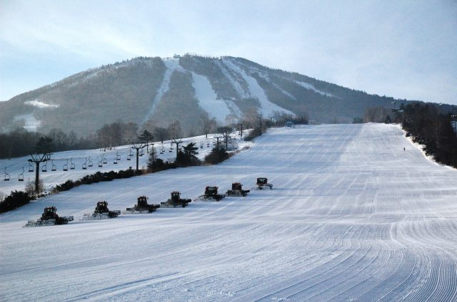 The resort also features a 5.5km long course for more advanced skiers.