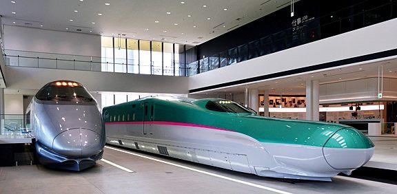 Display of mock Tohoku Shinkansen E5-series trains
