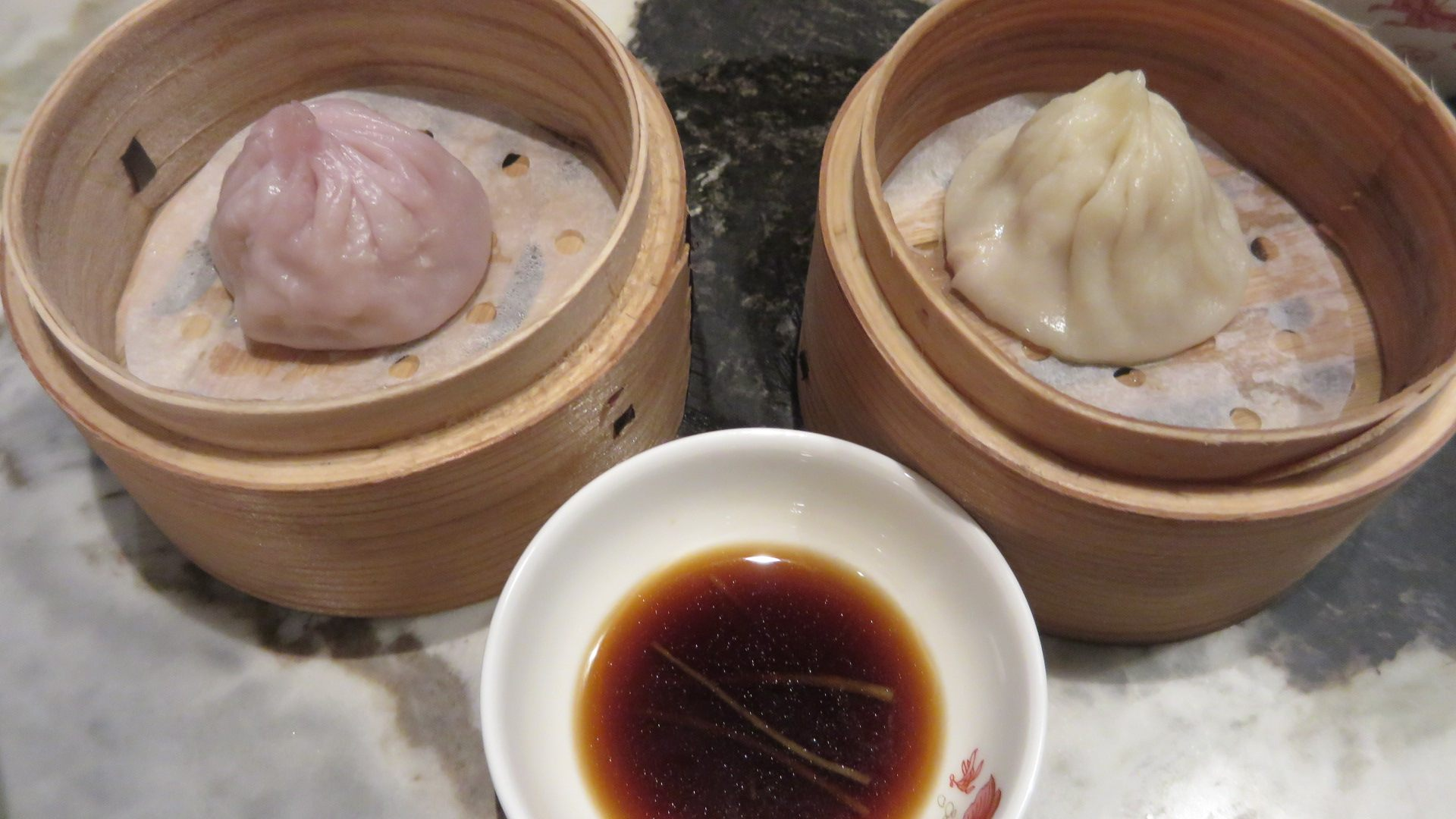 Two types of xiaolongbao steamed buns