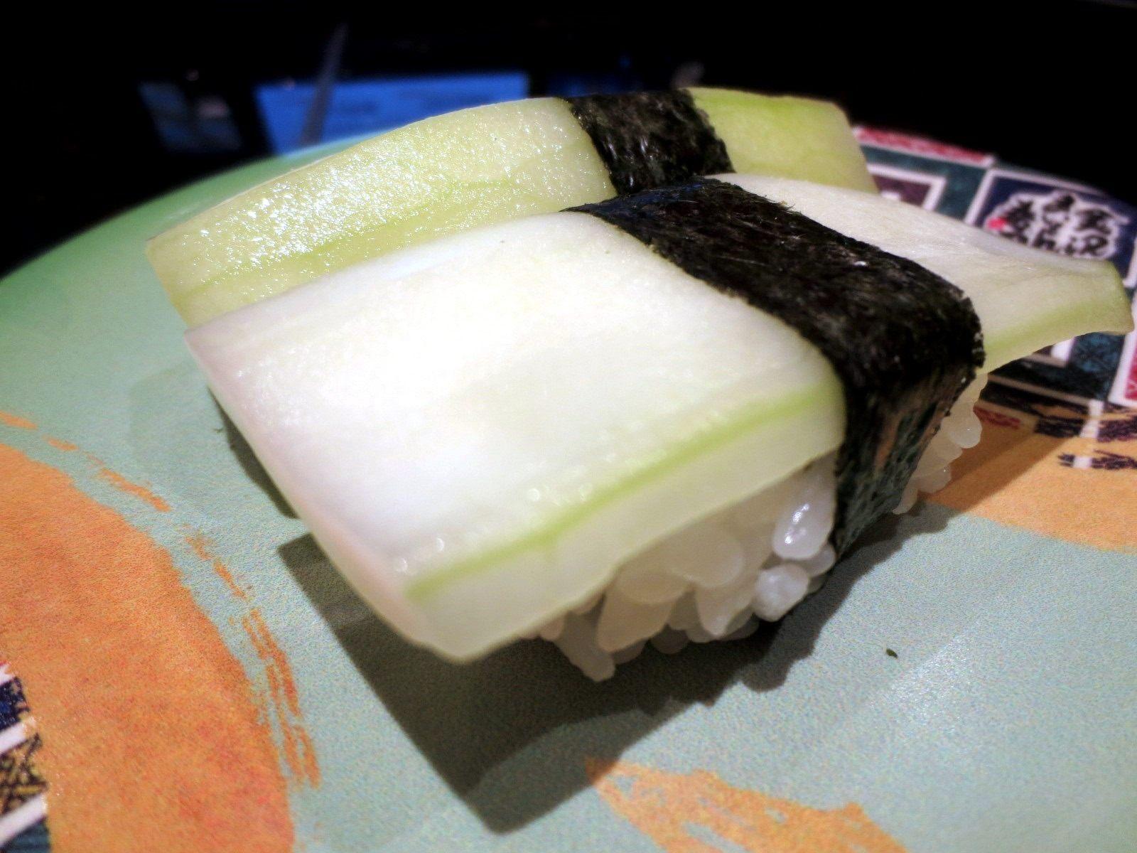 Thick Kaga Cucumber Nigiri  ¥180