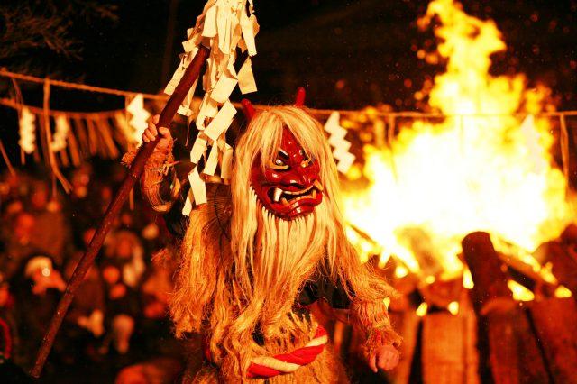 有没有爱哭又不听话的小孩啊?「秋田NAMAHAGE柴灯祭」