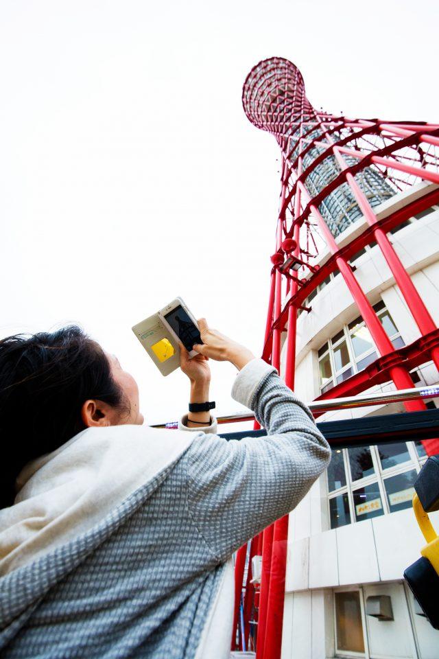 在神戶著名地標之一的「神戶港塔」拍照留念吧