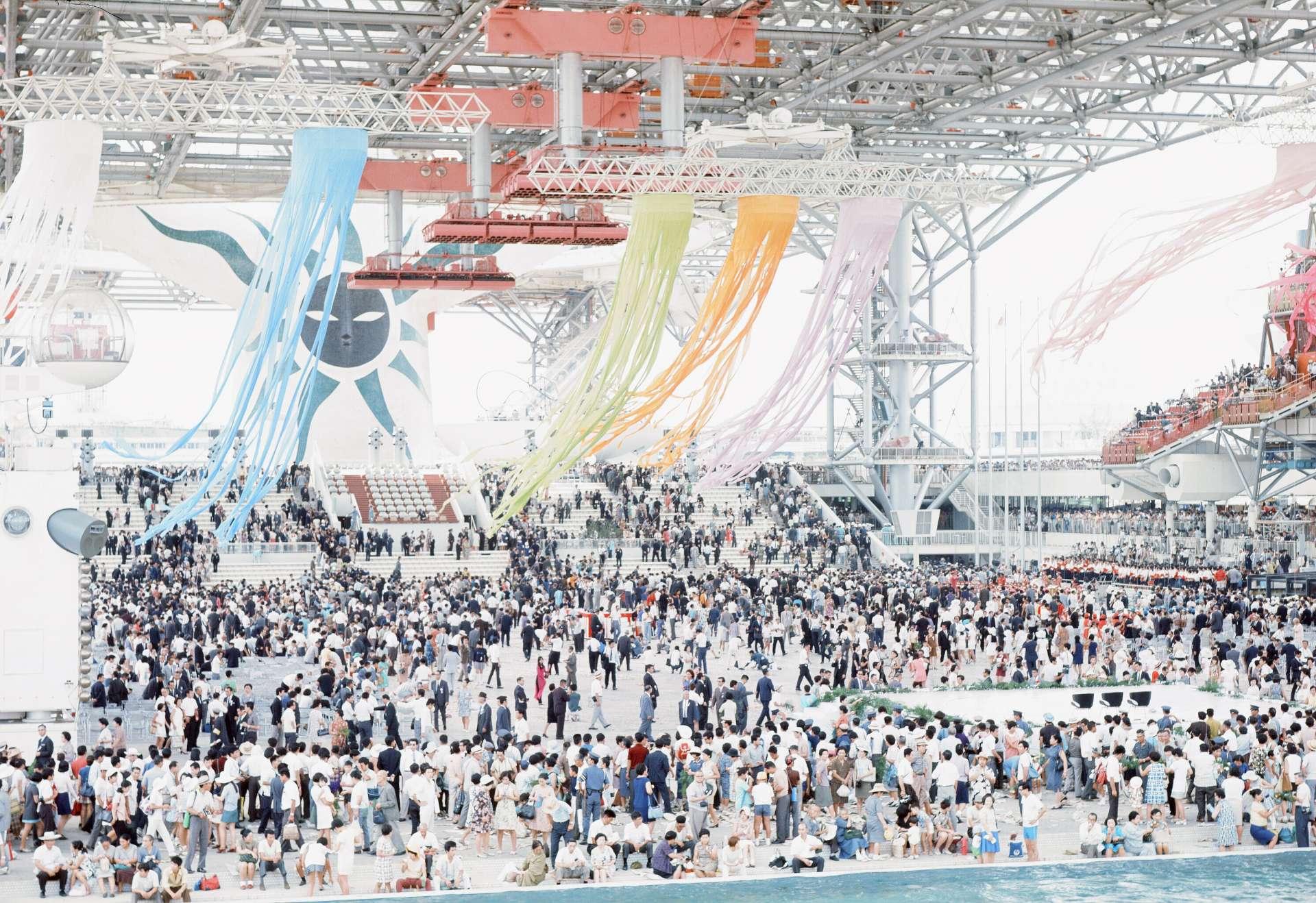约有超过6400万人的入场者参加1970年万国博览会的闭会式