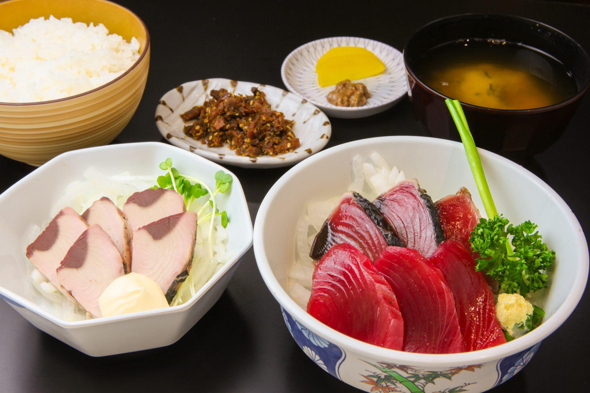 快來品嘗鮮魚、鮮貝料理吧!