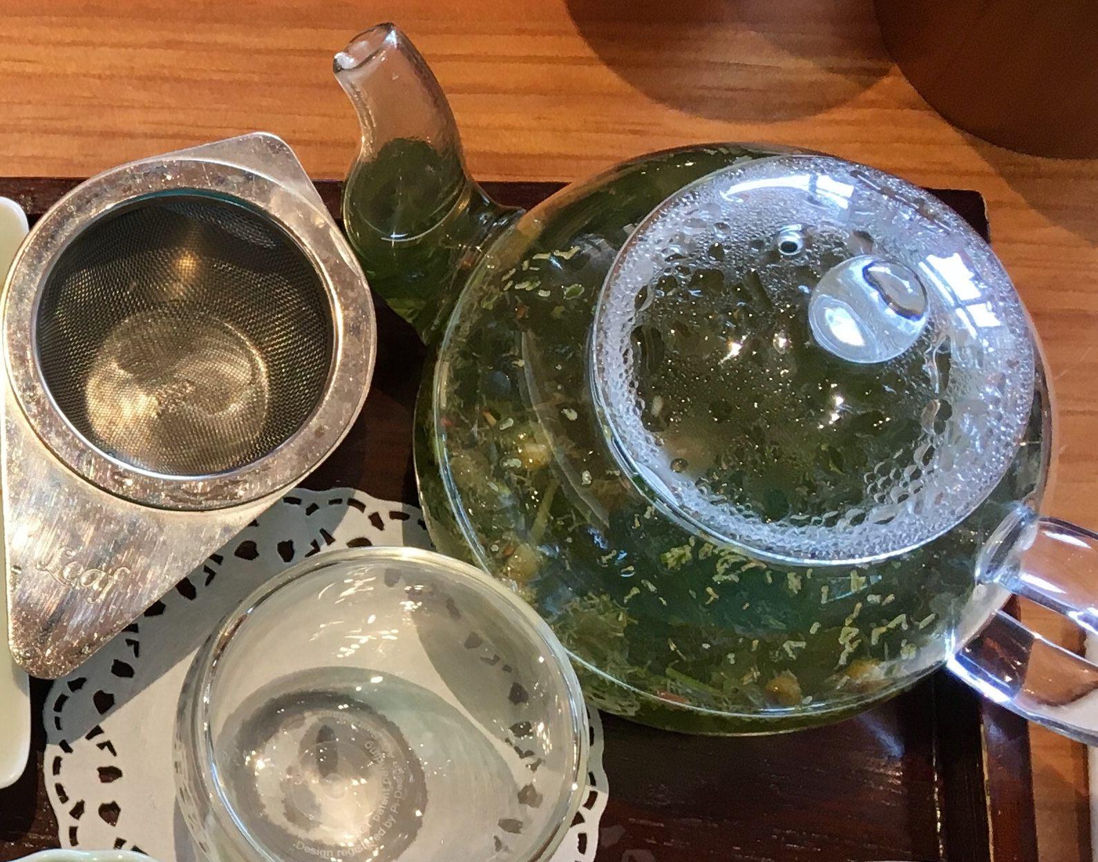与茶叶专卖老店共同开发的健康茶 Beppin-cha