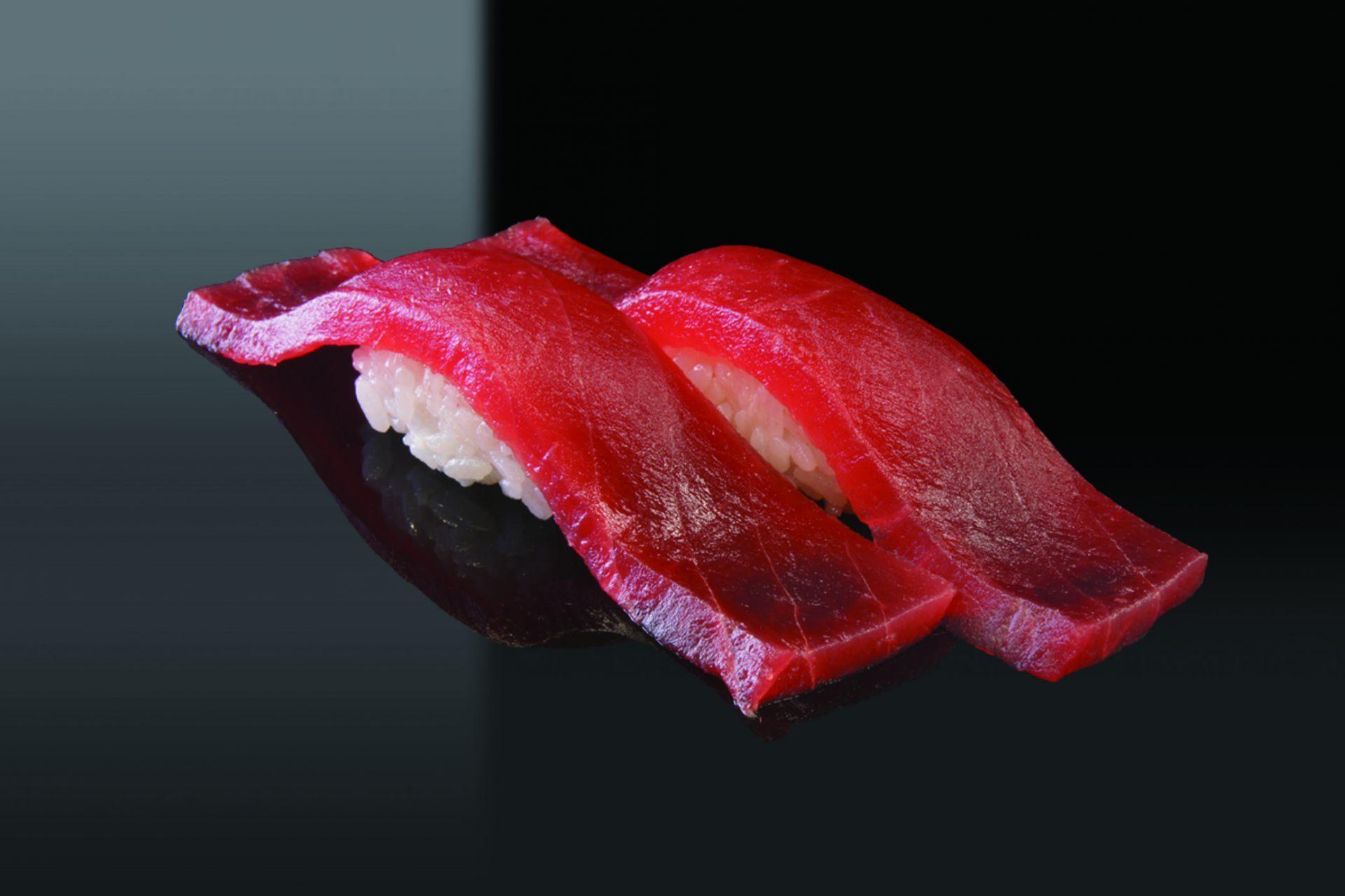 新鲜的鲔鱼寿司