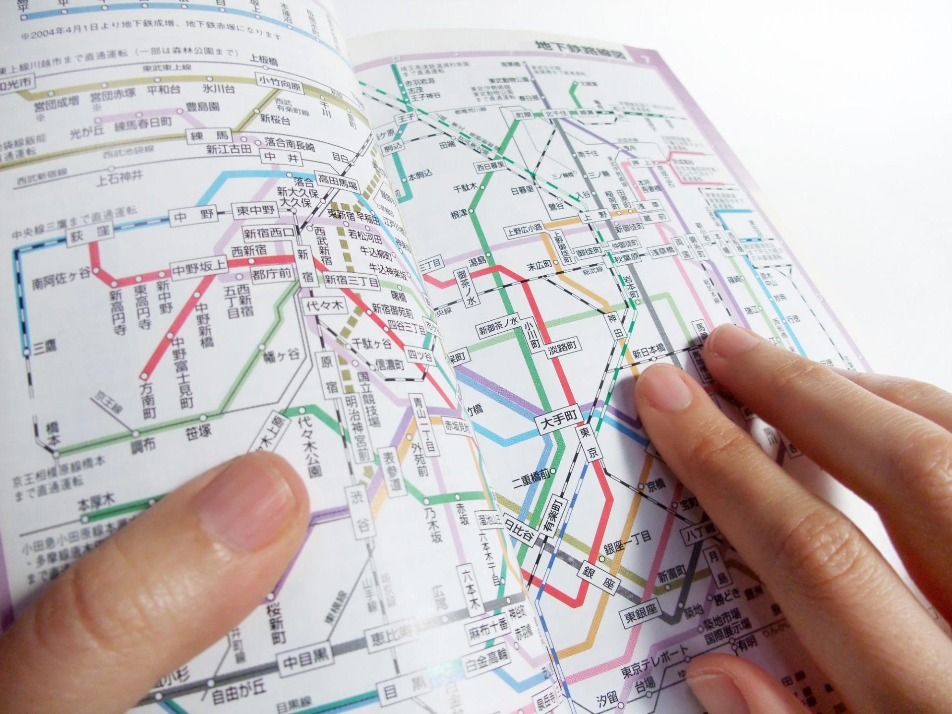 東京的路線圖光是看著看著就會頭痛想去睡了吧!