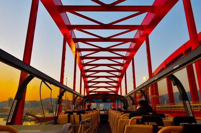 暮色中的神戶大橋