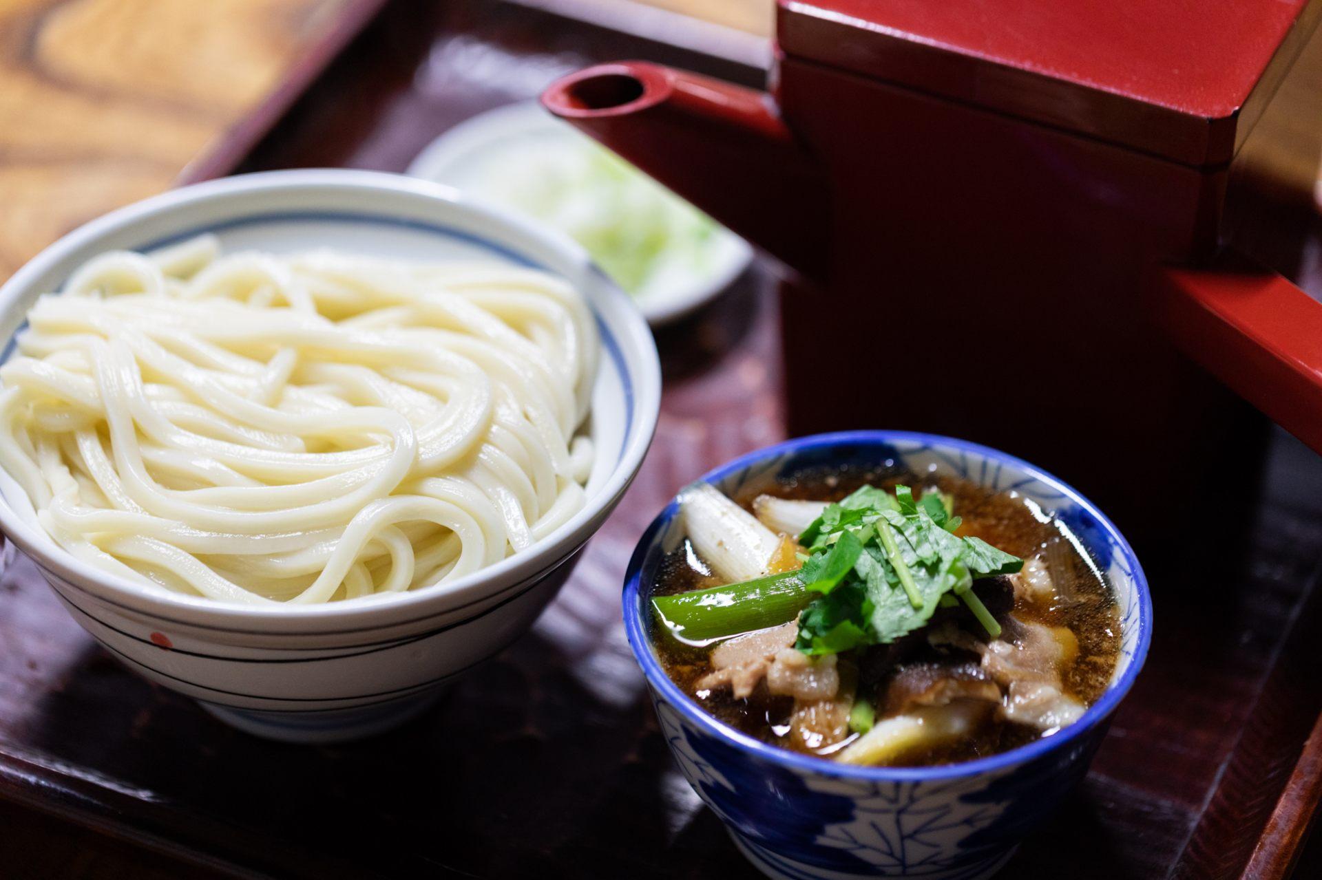 招牌菜单:肉汁乌冬面(730日元)