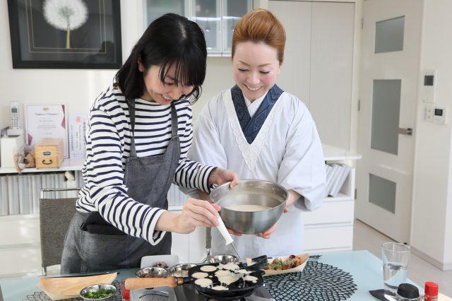Experience Japanese life through washoku cooking!