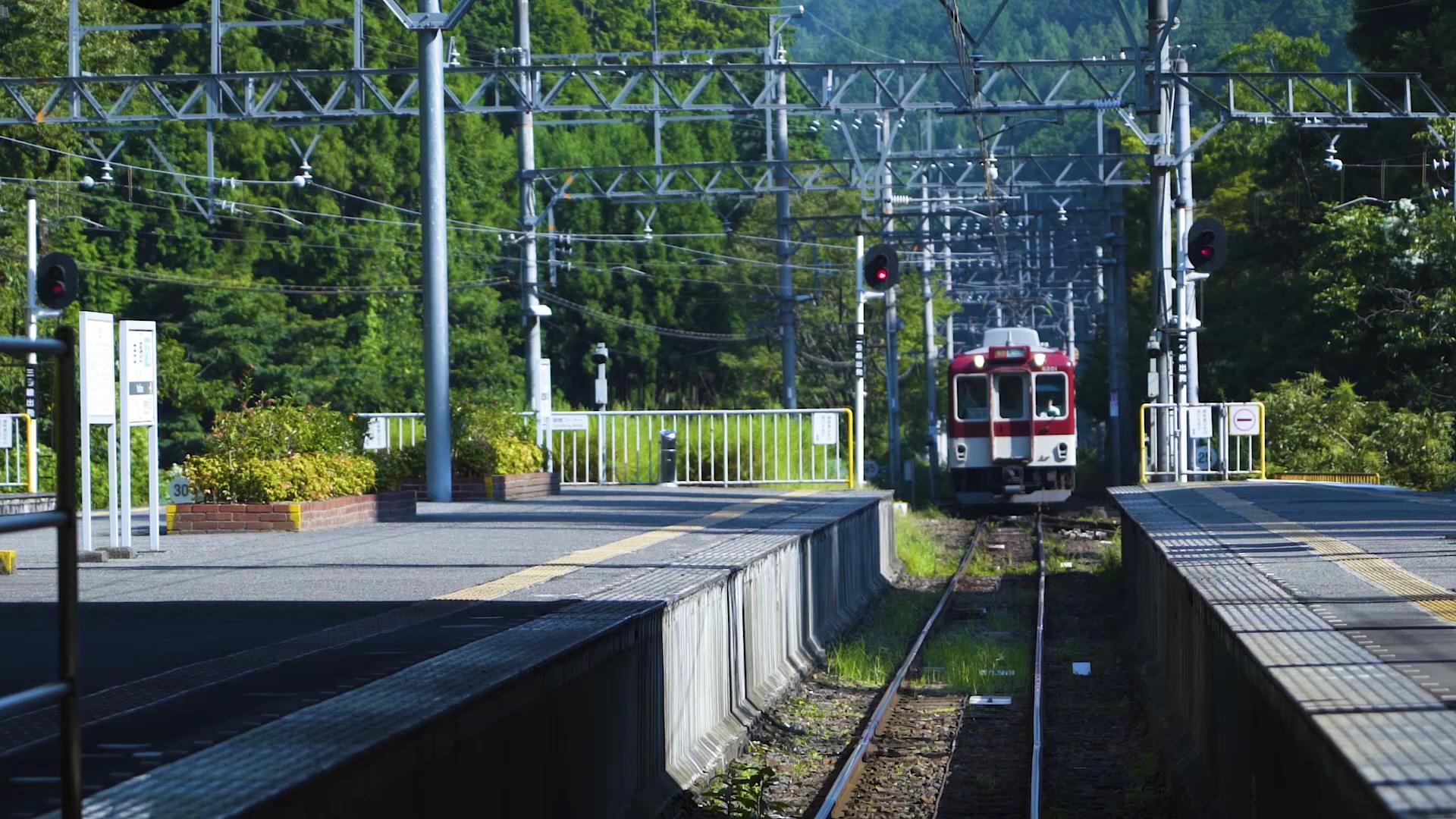 スムーズに観光地に連れて行ってくれる「近鉄」の電車