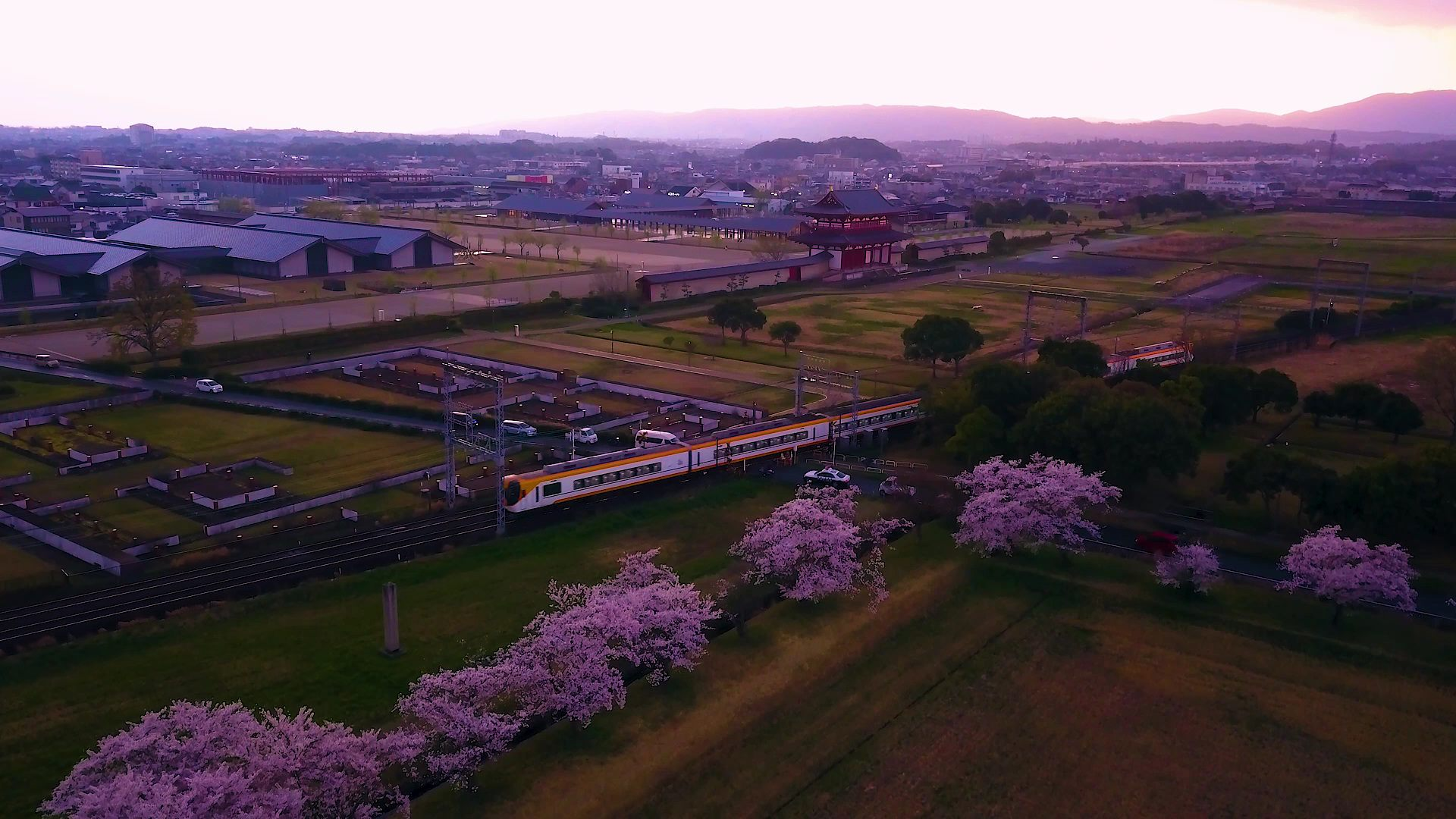 驰骋在春季奈良的近铁电车