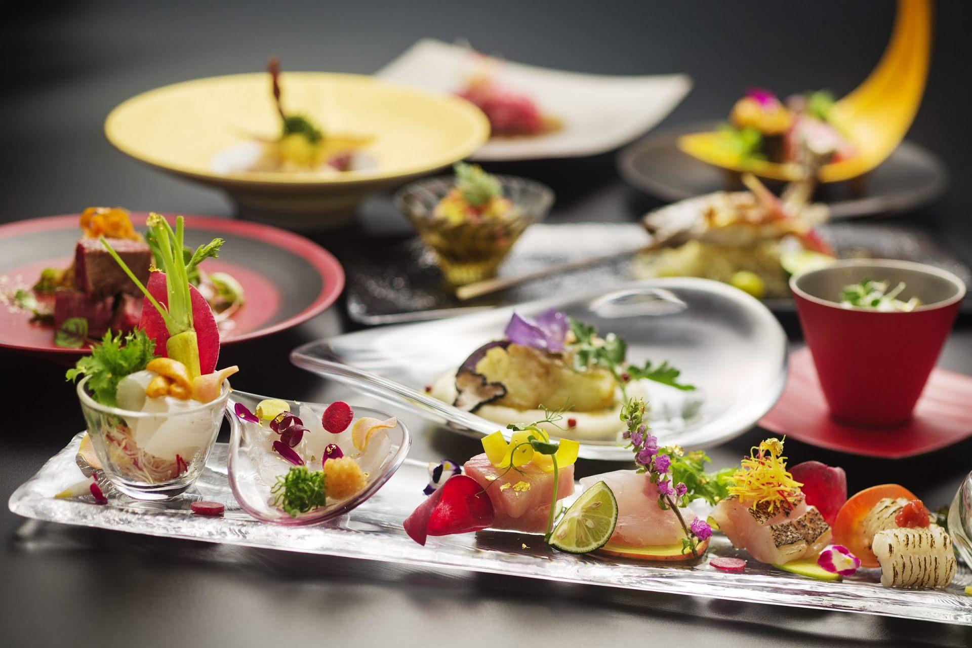 Generous servings of abalone, rock oysters, matsutake mushrooms and other seasonal ingredients.
