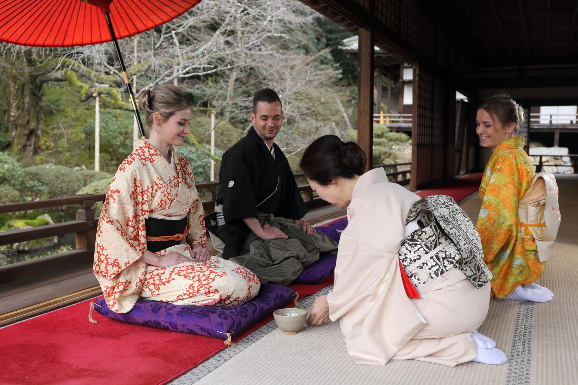 Participating in a tea ceremony allows you to learn how to make tea, as well as partake in matcha green tea and Japanese confections.