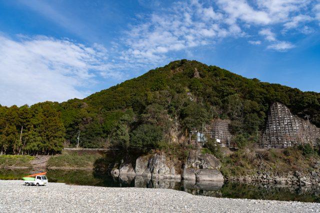 Takase Bashi starting point surrounded by vast nature.