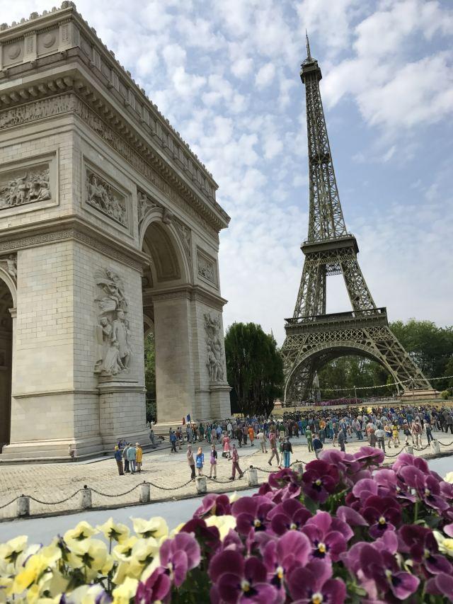 愛德華凱旋門和埃菲爾鐵塔