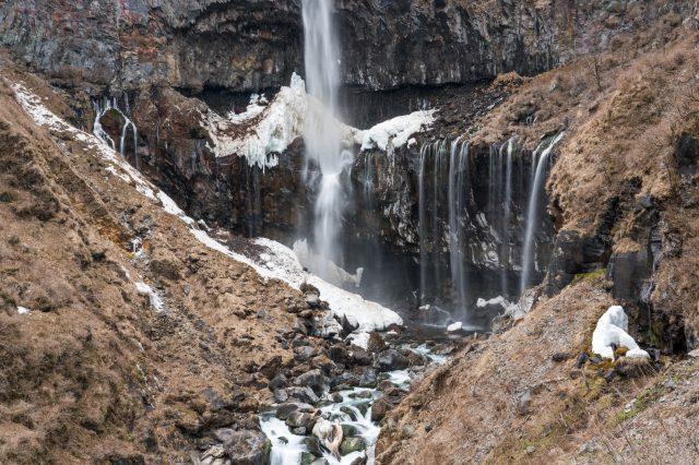 冬天的瀑布景觀