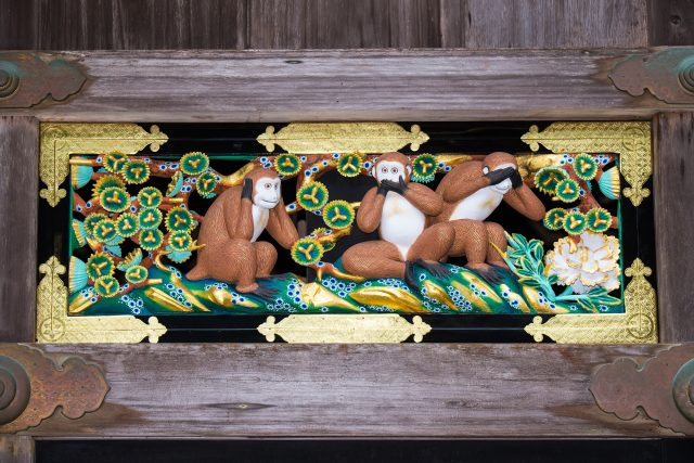 神厩舎上雕刻的三只猴子