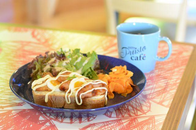 北歐開放式三明治Smørrebrød(900日圓)、滴漏式咖啡(380日圓)