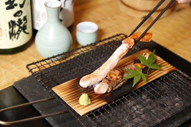 烤螃蟹(套餐中的一道餐點)