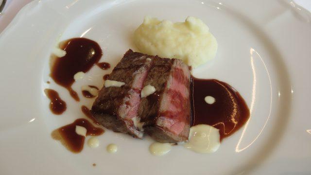 Beef Sirloin Sautéed in Chianti Sauce and Shallot Fondue