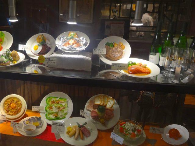 OAZO 5樓餐廳區「TSUBAME KITCHEN」菜單