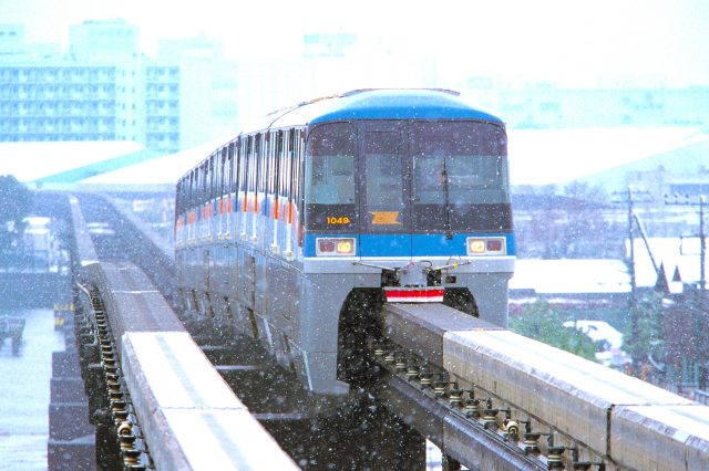 不怕大雪的東京單軌電車