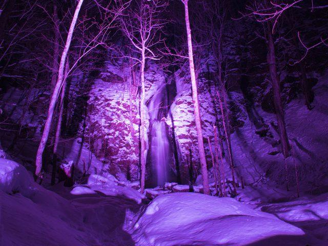 奧入瀨溪流冰瀑之旅 雲井瀑布燈飾(最鄰近的車站:根據活動項目有所不同)