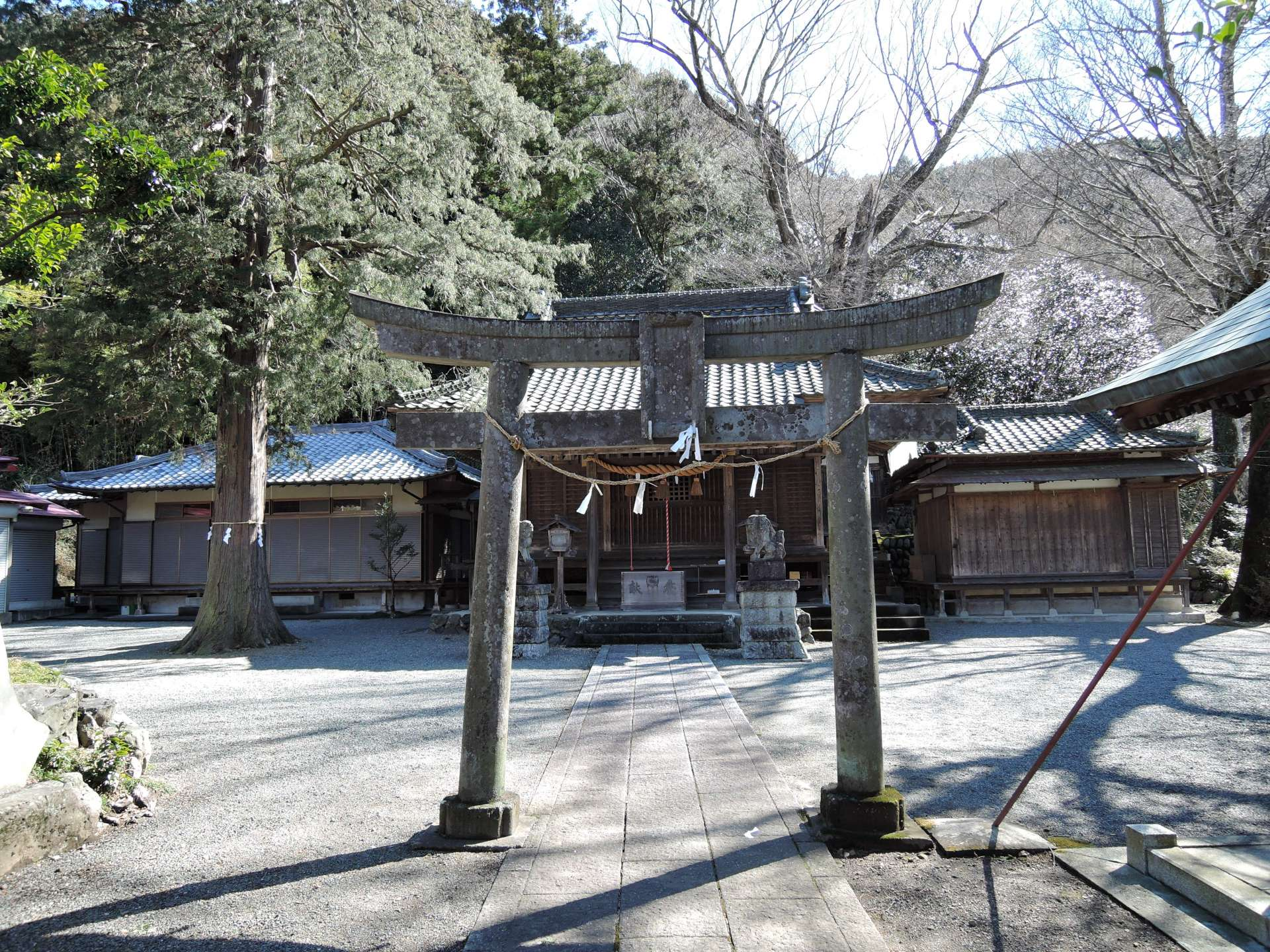 雄偉的神殿和境內莊嚴肅穆的氛圍令人心神寧靜。