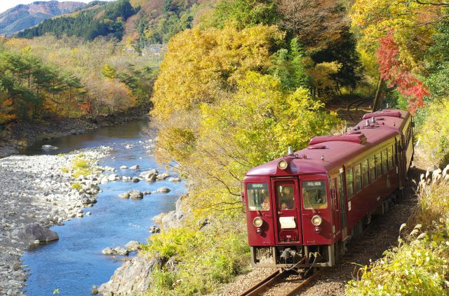 Getting a chance to experience Gunma's lush nature is one of Watarase Keikoku Railway's special qualities