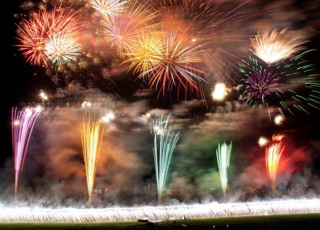 最大看點是「瀑布煙火」和「速射星雲」的共同出演