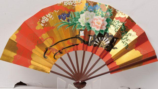 用來裝飾室內的華麗裝飾扇