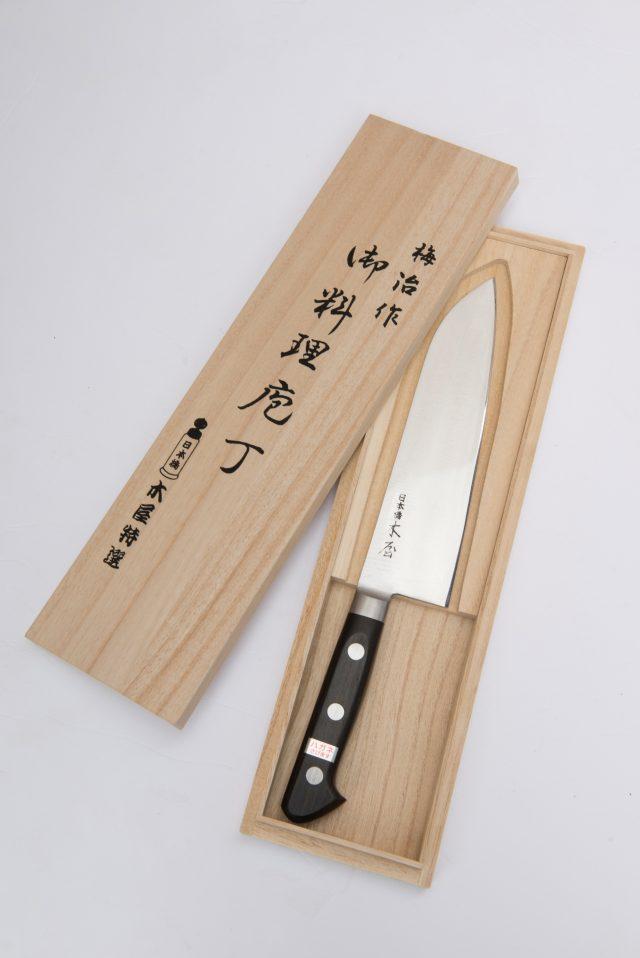 只有傳統工藝職人才能打造出這種既鋒利又好用的菜刀。