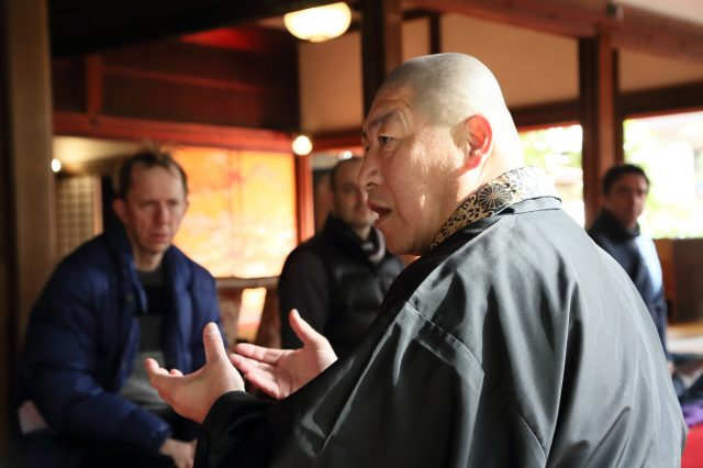 The chief priest gives thorough explanations, so ask him a question if there is anything you don't understand.